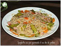 Hummmm .....Un bon plat de Pâtes tout chaud et tout en LOGOS VERTS Recette extraite du livre WW **Délices et satiété de 2010 *.....avec mes petites modifications PARFAIT POUR 1JSC et en journée Simpl'express !!!!! Spaghettis aux pois gourmands et aux...