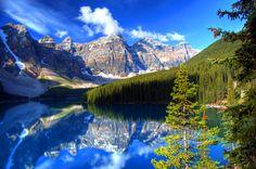 憧れの景色は、カナダにありました。世界で一番美しい湖と言われる「モレーン湖」 1枚目の画像