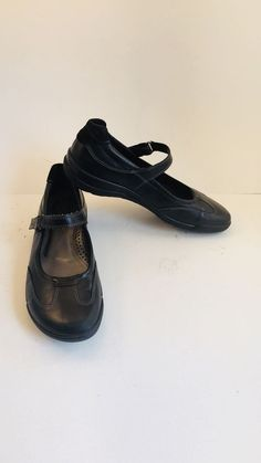 4e1c885f3943 Naot Matai Black Pearl Suede Leather Mary Janes Flats Women s 38    Condition is Pre-owned.