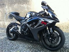 GSX-R 600 - one heck of a sexy ride!!! DAMN!!!