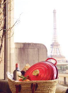 Christmas in Paris - Le Creuset Signature Buffet Casserole with NEW Gold Knob #lecreuset #clemengold #gathering