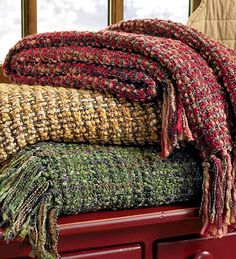 Boucle Throws