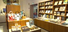 TWO MUSEUM SHOPS / You can buy the publications of the museums, souvenirs and other products related to art, wood, paper and forest.