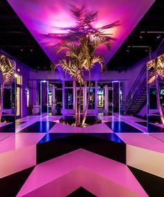 rafael de cárdenas' prismatic neon jungle pops-up in the miami design district Neon Decor, Led Neon, Neon Jungle, Nightclub Design, Neon Room, Neon Aesthetic, Lounge Design, Decoration Inspiration, Retro Waves
