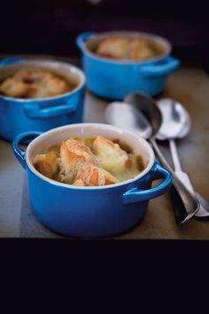 Recipe for Onion Saffron Soup With Toasts And Cheese : La Cucina Italiana