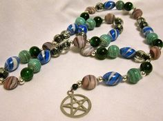 How to Make Pagan Prayer Beads http://paganwiccan.about.com/od/godsandgoddesses/ss/How-To-Make-Pagan-Prayer-Beads_2.htm