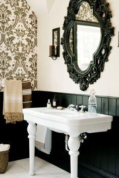 Salle de bain de style campagne dont le meuble sous vasque for Meuble baroque moderne