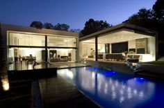 Gallery of House Mosi / Nico van der Meulen Architects - 6