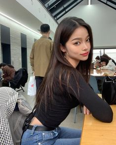 Image may contain: 1 person, indoor Pretty Korean Girls, Cute Korean Girl, Asian Girl, Korean Beauty, Asian Beauty, Korean Natural Makeup, Skinny Inspiration, Korean Short Hair, Ulzzang Korean Girl