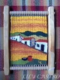 telar cuadrado - Buscar con Google Weaving Textiles, Tapestry Weaving, Weaving Patterns, Weaving Art, Loom Weaving, Hand Weaving, Navajo Weaving, Woven Wall Hanging, Loom Knitting