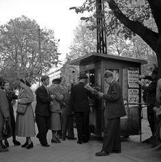 Tidningskiosk (newspaper kiosk), Gävleborg, Sweden, 1949