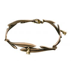 Kalevala Jewelry designs and manufactures  high-quality gold, silver and bronze jewelry in Helsinki, Finland. This Scandinavian design jewelry brand has brought joy to all jewelry lovers since 1937.