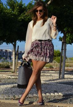 All kinds of fabulous blouses are the essential items for women's wardrobe. You can almost wear them for all seasons and occasions. Today, I'll show you 18 impossibly chic ways to wear blouse trends for 2014! In this hot weather, you can pair your cool white blouse with a pair of coral shorts to finish[Read the Rest]