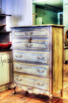Painted Furniture @ Anchique