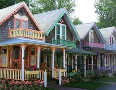 Marthas Vineyard Gingerbread Cottages In The Town Of Oak Bluffs On Where More Than 300 Brightly Colored Houses