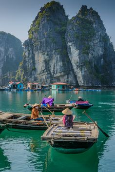 fishing village by Cheng Lo Travel Around The World, Places Around The World, Around The Worlds, Vietnam Voyage, Ha Long Bay, Fishing Villages, Fernweh, Destination De Reve, I Want To Travel