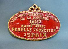 Plaque de Concours Agricole 1992, Trophée, récompense pour éleveur de vaches, décor campagnard rouge et or, vintage français