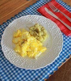 Ovos mexidos e purê de batata doce com um toque de alecrim e sal rosa! 😄❤️…