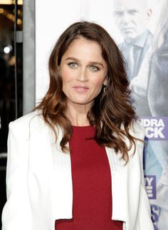 """Robin Tunney Photos - Actress Robin Tunney attends the premiere of Warner Bros. Pictures' """"Our Brand Is Crisis"""" at TCL Chinese Theatre on October 2015 in Hollywood, California. - Premiere of Warner Bros. Pictures' 'Our Brand Is Crisis' - Arrivals Baker And Co, Robin Tunney, January 7, Simon Baker, The Mentalist, Choice Awards, Warner Bros, In Hollywood, Movie Stars"""
