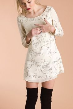 cute and quirky dress with handwriting from a love song lyric. Quirky Fashion, Geek Fashion, Diy Fashion, Fashion Beauty, Fashion Outfits, Cute Dresses, Cute Outfits, Diy Clothes, Clothes For Women