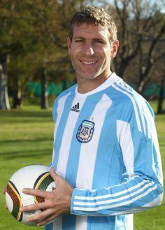 @Palermo #9ine Fifa, Martin Palermo, Argentina Football Team, Football Players, Messi, Leo, Nostalgia, Soccer, Grande