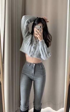 Korean Girl Fashion, Ulzzang Fashion, Korean Street Fashion, Kpop Fashion Outfits, Girly Outfits, Cute Casual Outfits, Cute Fashion, Pretty Outfits, Stylish Outfits