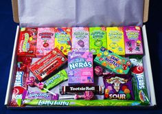 American Sweets Gift Box - 46 Items - USA Candy Hamper - Wonka Nerds - Present Sweet Hampers, Food Hampers, Candy Gift Box, Candy Gifts, Candy Boxes, Boxes Of Sweets, Rainbow Drinks, Types Of Candy, Junk Food Snacks