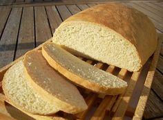 Recette ciabatta (pain italien)  par Isabelle : Ce pain à l'huile d'olive est un régal. Très moelleux et au goût subtil, il est idéal pour accompagner tous les plats du Sud et, pour la fabrication des crostini, utilisez-le légèrement grillé et....Ingrédients : sucre, farine, lait, levure, olive