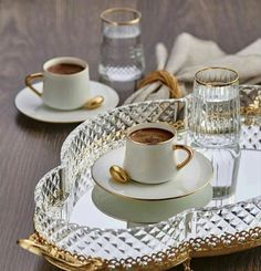 Brown Coffee, I Love Coffee, Coffee Set, Coffee Cafe, Coffee Drinks, Coffee Break, Iced Coffee, Dark Chocolate Brands, Good Morning Coffee