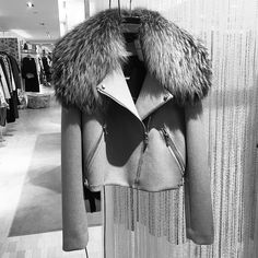 Hanging right now // Resort 2017 Bonded Wool and Fox Moto // Cute Skirt Outfits, Cute Skirts, Winter Outfits, Diva Fashion, Fashion Outfits, Faux Fur Collar Coat, Hooded Winter Coat, Resort 2017, Winter Wear