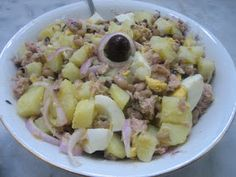 Ελληνικές συνταγές για νόστιμο, υγιεινό και οικονομικό φαγητό. Δοκιμάστε τες όλες Salad Dressing, Gravy, Potato Salad, Oatmeal, Salads, Sweet Home, Food And Drink, Cooking Recipes, Yummy Food