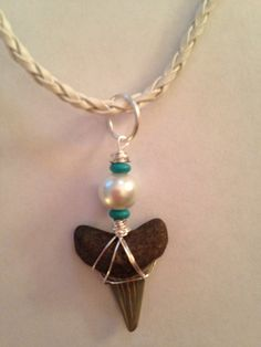 Shark Tooth Necklace by DayDreamingDecor on Etsy Wire Wrapped Jewelry, Wire Jewelry, Jewelry Crafts, Tooth Jewelry, Beaded Jewelry, Jewelery, Unique Jewelry, Jewelry Design, Jewelry Bracelets