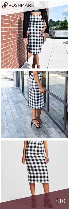 """Who What Wear Ginham Pencil Skirt Brand new Who What Wear for Target """"Ginham"""" checked pencil skirt. Images are ways you can wear differently. :Oglala blog Measurements: Waist is 14 1/2inches Hips: 19inches & Length: 31inches.                              ❌NO TRADES OR NO PP❌NO OFFERS❌ Who What Wear for Target Skirts Pencil"""