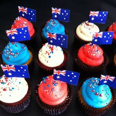 Honor Australia Day by decorating these cupcakes to suit your mood and we hope you will find some good ideas on Australia Day Decorating Cupcake Ideas page. Australian Party, Australian Desserts, Cupcake Cakes, Cupcakes, Cupcake Ideas, Happy Australia Day, Aussie Food, Anzac Day, Best Friend Birthday