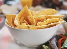 Nachos recept – domácí mexické lupínky - DIETA.CZ Nachos, Starters, Ham, Side Dishes, Snack Recipes, Pizza, Mexican, Dinner, Cooking