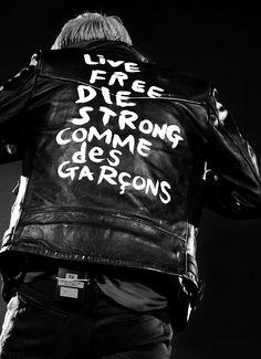 GD in Comme des Garcons leather jacket Estilo Punk Rock, Cargo Jacket Mens, Bomber Jacket, Comme Des Garcons Play, Celebrity Gallery, Biker Leather, Lookbook, Punk Fashion, Moda Masculina