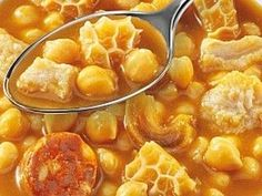RECETA DE CALLOS CON GARBANZOS Spanish Cuisine, Spanish Dishes, Spanish Food, Mexican Food Recipes, Beef Recipes, Cooking Recipes, Drink Recipes, Bon Appetit, Guisado