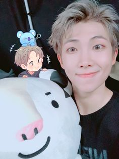 RM with the 2018 Olympic mascot!! This is too much!!!