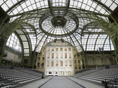 grand palais in paris where the chanel shows are held New York Architecture, Amazing Architecture, Happy In French, Galerie Lafayette Paris, Catwalk Design, Kenzo Tange, Chanel Fashion Show, French History, Mobile Art
