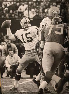 Giants Football, Packers Football, School Football, Football Team, Greenbay Packers, Nfl Championships, Championship Game, Green Bay Packers Logo, Bart Starr