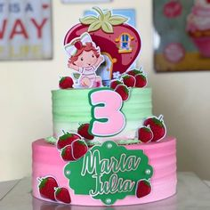 Bolo da Moranguinho: 80 ideias delicadas e tutoriais de como fazer Baby Room, Strawberry, Birthday Cake, Desserts, Food, Bb, Strawberry Baby, Cake Toppers, Strawberry Shortcake Birthday