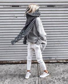 """Be Daze Live on Instagram: """"Oversized everything 🖤🖤 . . . 📸 via @figtny . . . #fashion #style #stylish #fashion2019 #stylescout #chic #fashionblog #fashionista…"""""""