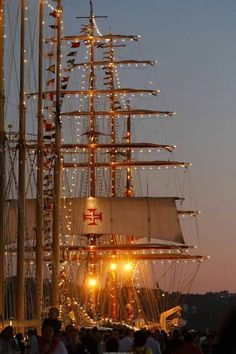 Masts alight - railwaygirlingermany