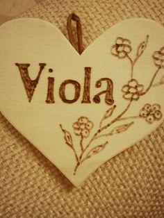 #Cuore in #legno acquistato alla fiera della zucca di Gavirate. #wood #heart #Viola