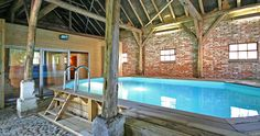 Dream Pools, Bed And Breakfast, Jacuzzi, Pergola, Hotels, Bathtub, Camping, Outdoor Structures, House Design