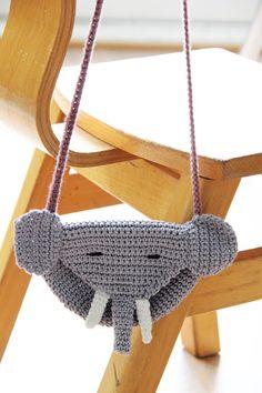 Gehaakt olifantentasje (gratis patroon) Bassinet, Crochet Baby, Diy Gifts, Baby Kids, Crochet Patterns, Weaving, Knitting, Blog, Elephants