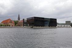 Den Sorte Diamant, architecture extérieur de la Bibliothèque royale de Copenhague, Danemark (Black Diamond Copenhagen)