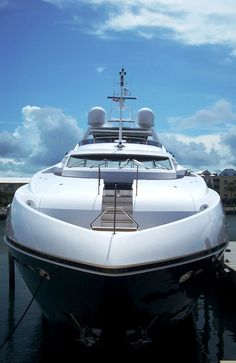 Luxury Bahamas yacht charters #scoresense