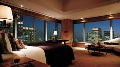 Luxury hotels and resorts spanning key locations around the world. Shangri-La Hotels and Resorts offer exuberant service, a range of amenities, and stylish interiors which present an unforgettable experience. Shangri La Hotel, Best Boutique Hotels, Tokyo Hotels, Best Hotel Deals, Great Hotel, Luxurious Bedrooms, Hotels And Resorts, Luxury Hotels, Home Buying
