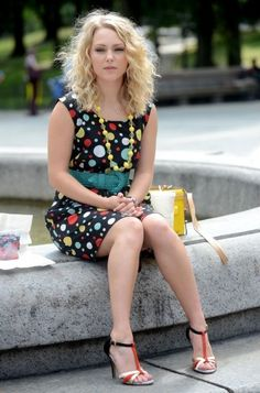 Carrie's black polka dot dress on The Carrie Diaries.  Outfit Details: http://wornontv.net/18974/ #TheCarrieDiaries